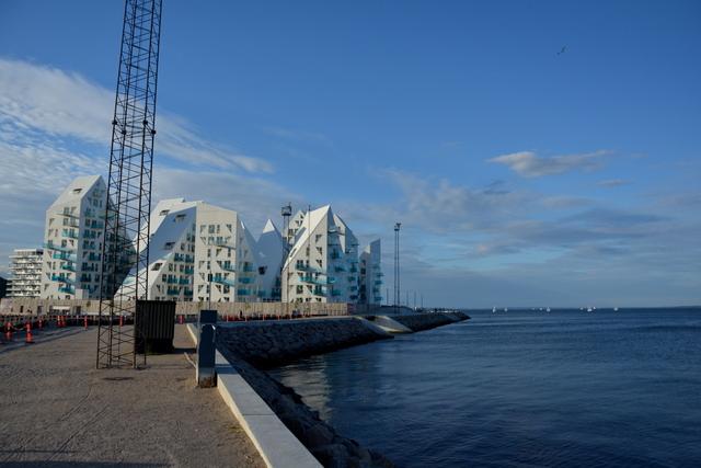 Aarhus-iceberg-sea